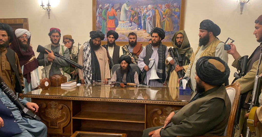 les talibans - Page 2 Taliban-Take-Over-Afghan-Presidential-Palace-1024x536